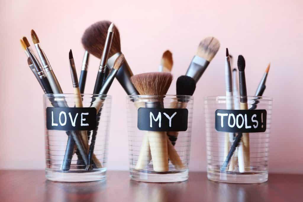 Pots pour pinceaux à maquillage